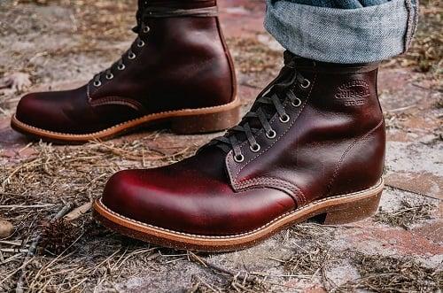 Botas de piel limpias