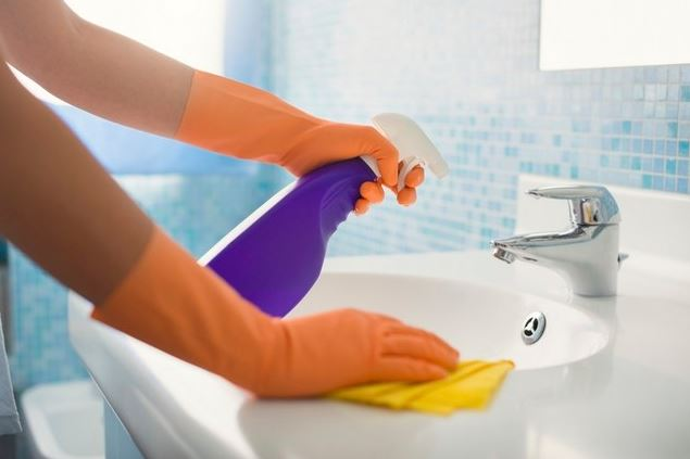 como limpiar el baño