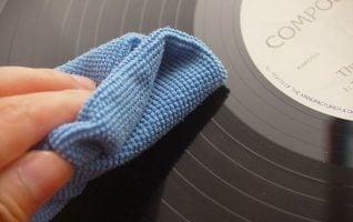 como limpiar los discos de vinilo