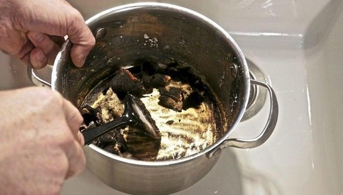 Cómo limpiar las ollas quemadas 5 pasos