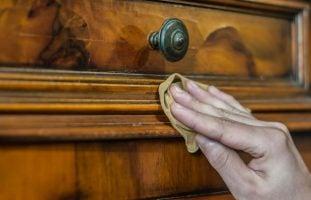 como limpiar los muebles de madera