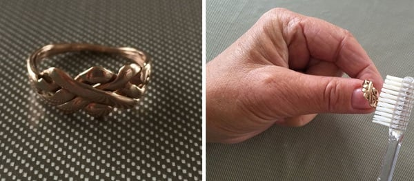 limpiando anillo de oro