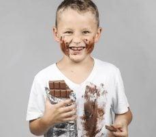 como quitar manchas de chocolate