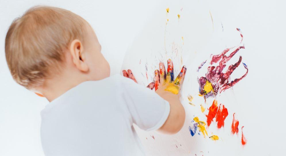 limpiar manchas en las paredes
