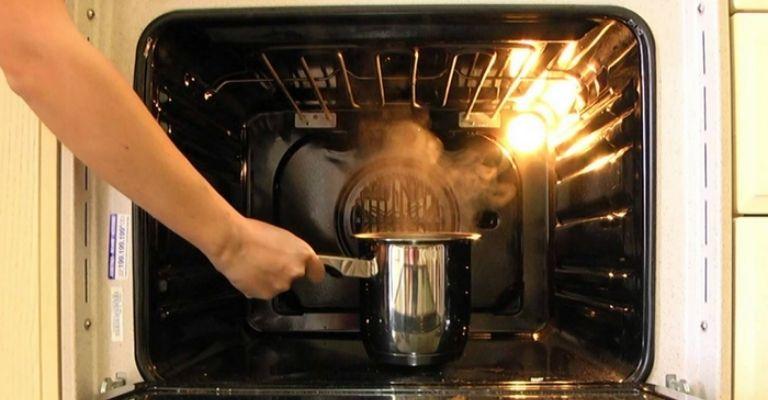 como-limpiar-el-horno-naturalmente-limon