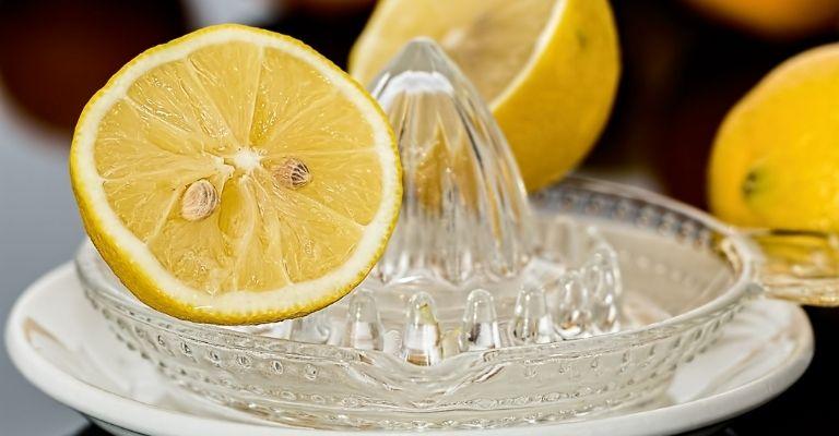remedios-naturales-limpio-plata-jugo-de-limon