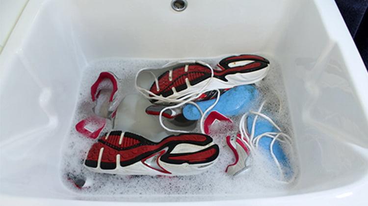 zapatos empapados