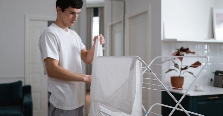 8 trucos para que la ropa se seque rápidamente en casa