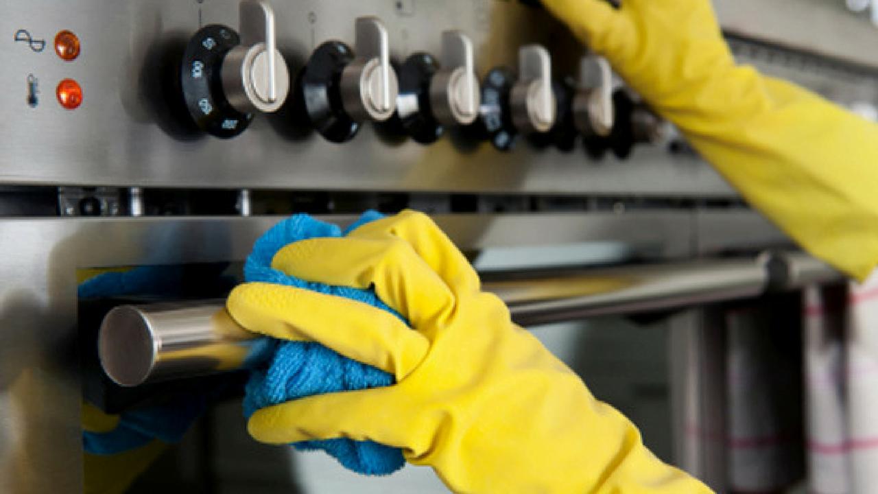 Cómo limpiar la estufa y la encimera: 9 remedios naturales