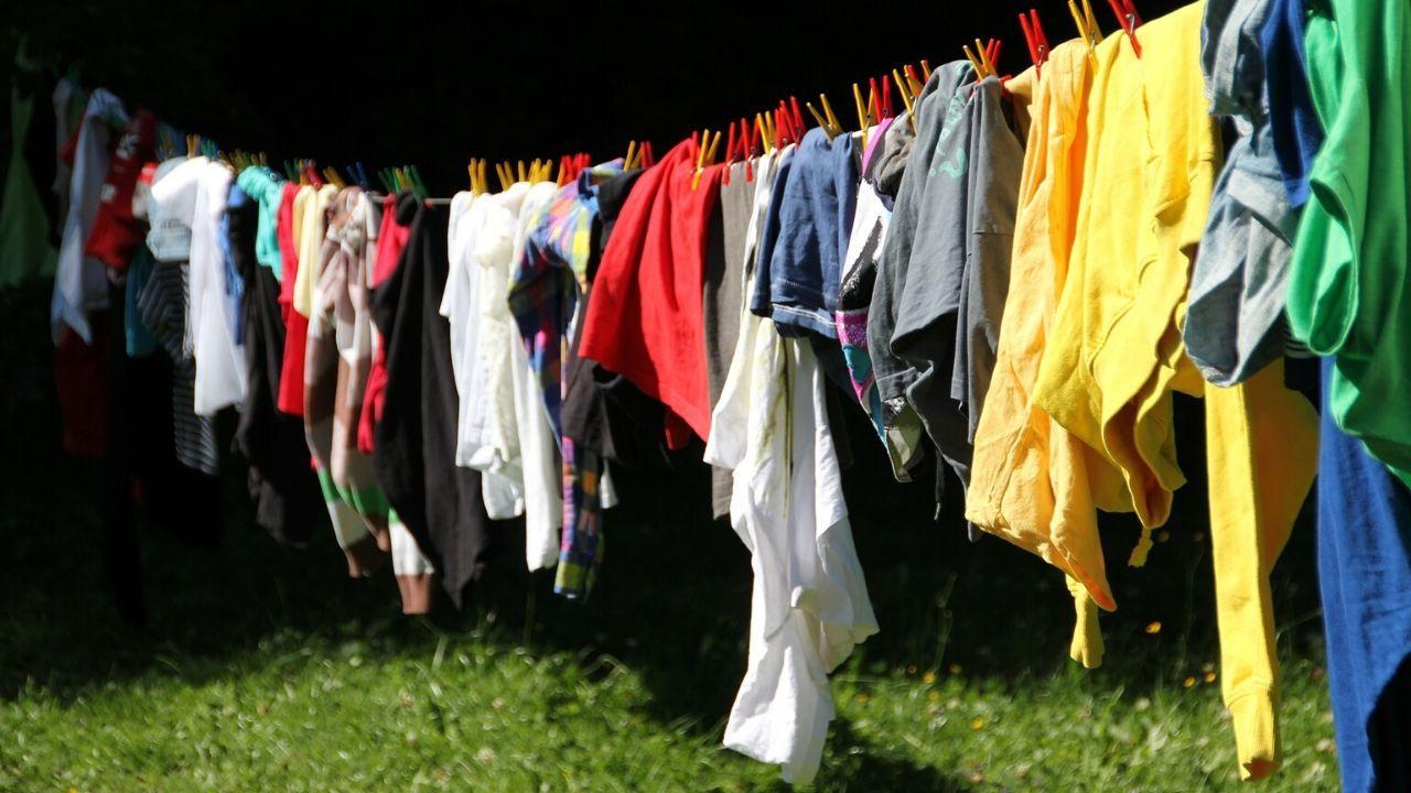 Lavado de ropa: la frecuencia de lavado ideal para las principales prendas y tejidos