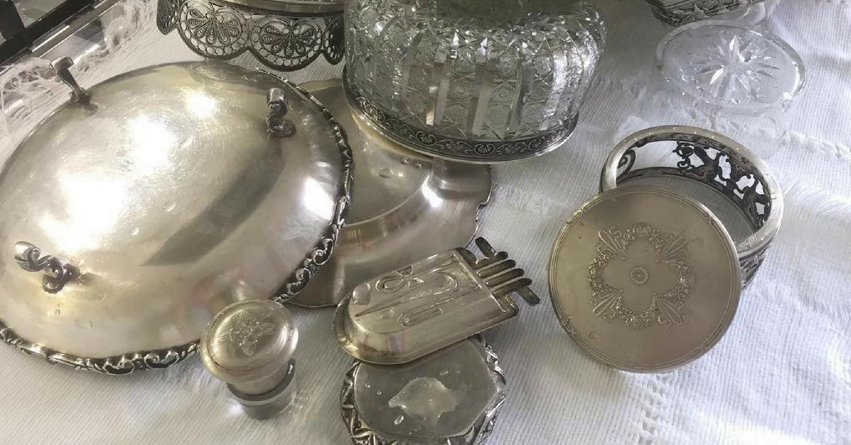 Cómo limpiar la vajilla de plata: 5 formas de limpiarla rápidamente y de forma respetuosa con el medio ambiente