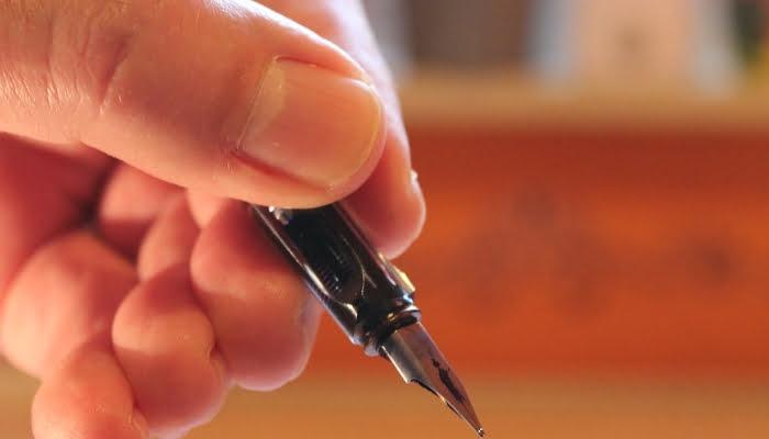 Los 12 insospechados usos caseros de la acetona del esmalte de uñas