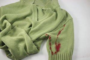 Cómo quitar las manchas de sangre de la ropa