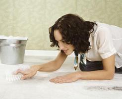 eliminar manchas de grasa en alfombras