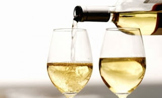 quitar manchas de vino blanco