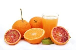 Cómo quitar las manchas de jugo de frutas