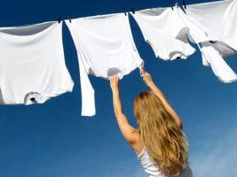 Consejos para eliminar manchas en telas y papel