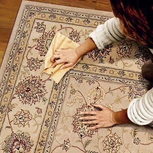Quitar las manchas de aceite de las alfombras